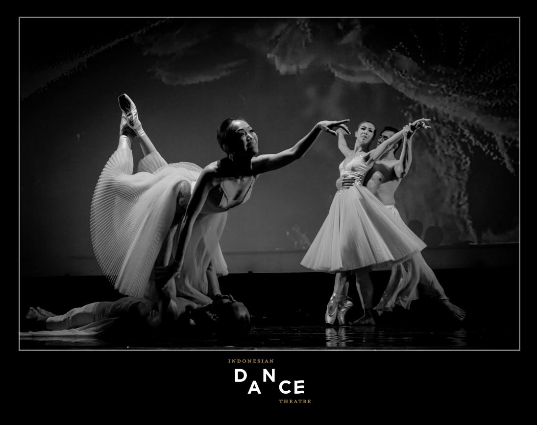 INDONESIA DANCE Theatre  BLACK AND WHITE