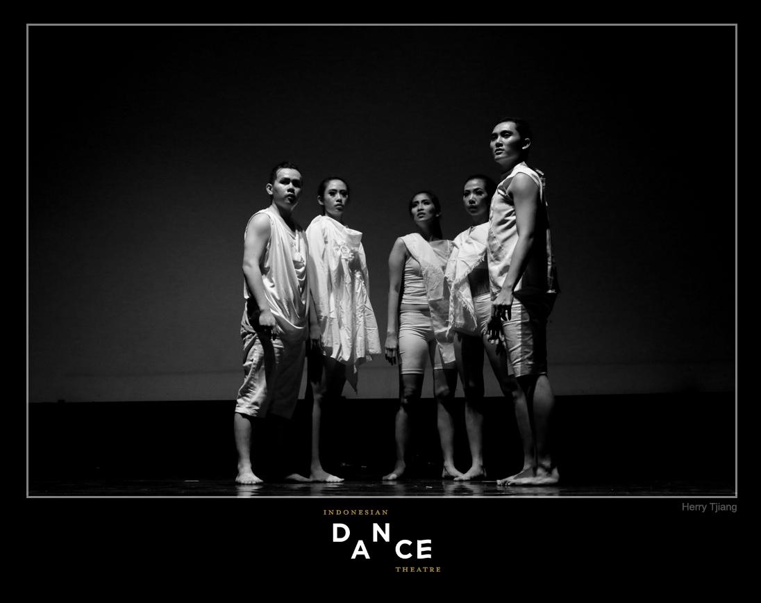 INDONESIA DANCE photo Herry Tjiang