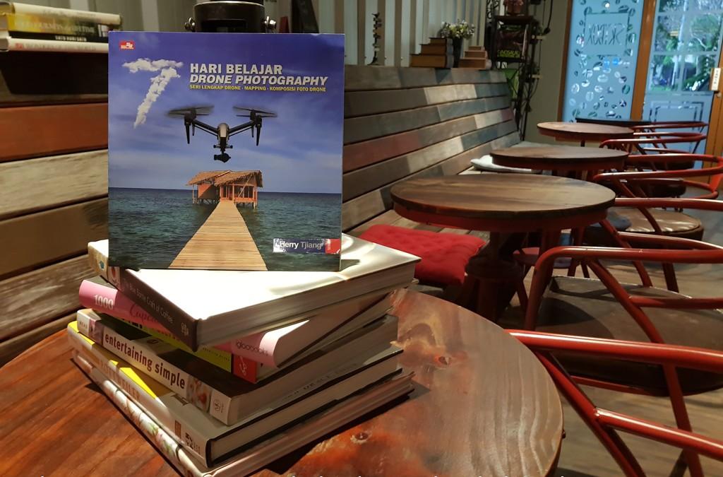 Buku drone terlengkap telah hadir di Indonesia