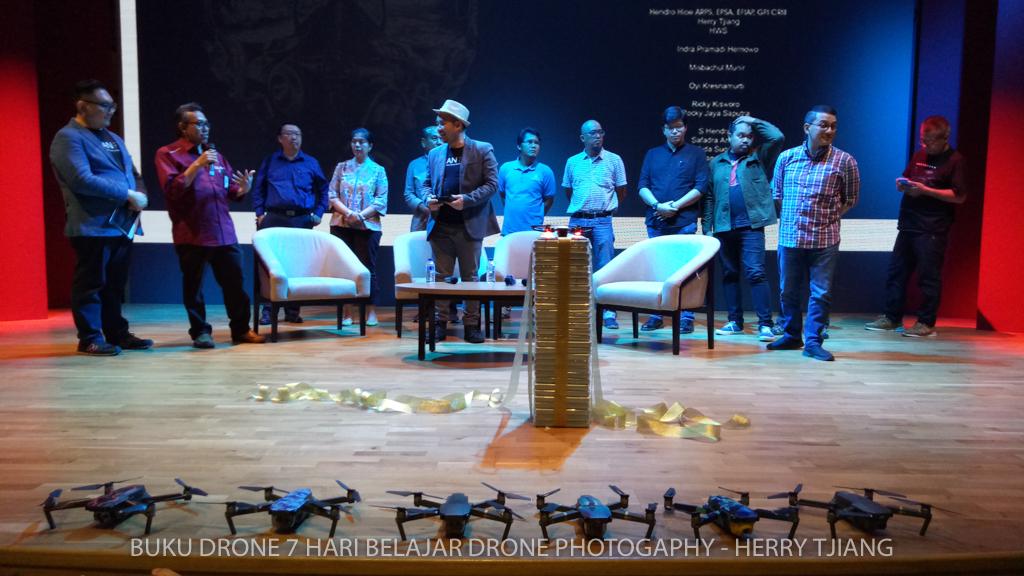 BUKU DRONE pertama di indonesia