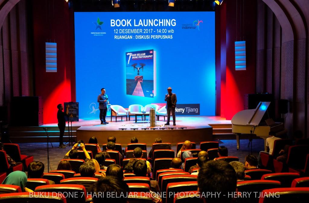 Buku 7 hari belajar drone photography Herry tjiang diluncurkan 12 12 2017